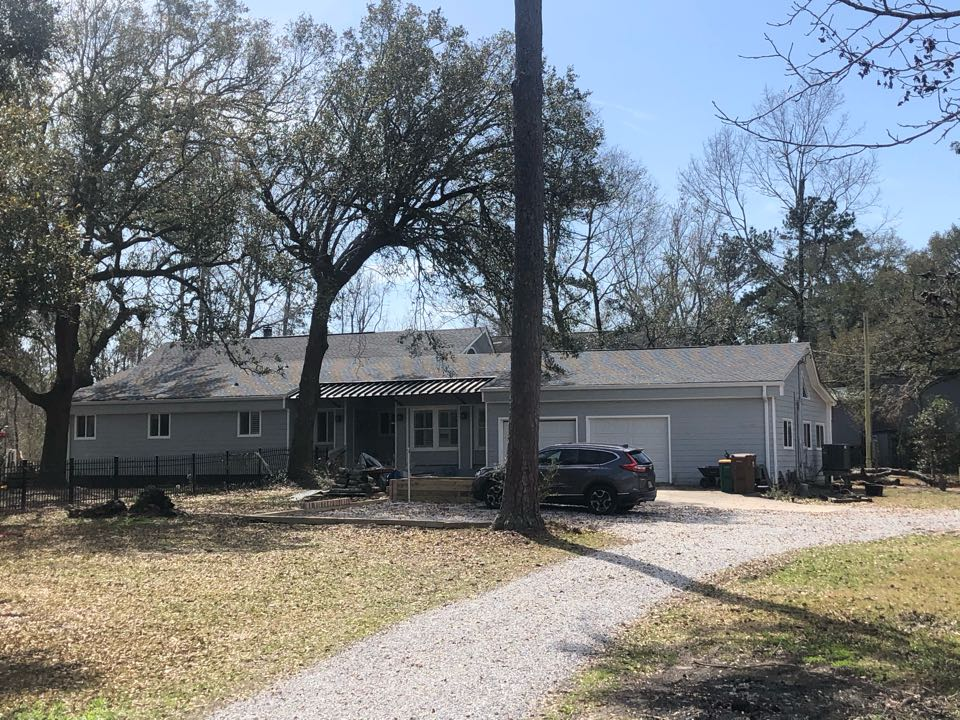 Pass Christian, MS - This adorable one story home had roof damage during Hurricane Zeta. B&M Roofing was able to provide them with a brand new roof using GAF lifetime series timberline architectural HDZ shingles in the color