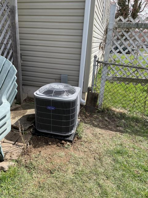 Heath, OH - I installed a Carrier 80% 45,000 BTU Gas Furnace, and a Carrier 13 SEER 2 Ton Air Conditioner.  Both systems were fully operational upon my departure.