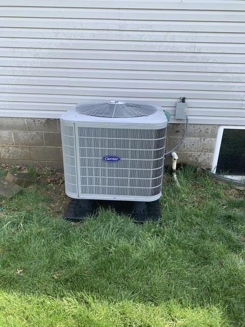 Pataskala, OH - I performed a tune up and safety check on a Carrier 16 SEER 2.5 Ton Heat Pump.  I cleaned the condenser coils with water and the system was working according to manufacturer's specifications upon departure.
