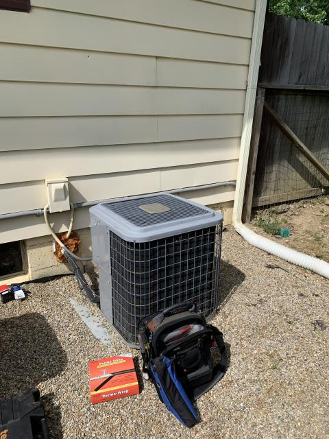 Thornville, OH - I completed a diagnostic service call on an air conditioner. I determined that the unit needed to have its capacitor replaced. System is functional after replacing capacitor.