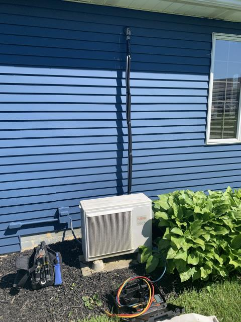 Thornville, OH - I completed a diagnostic on a Fujitsu air conditioner. I determined the unit was low on refrigerant and a possible leak. I recommended a nitrogen leak search. I added 1.5 pounds of Freon. System cooling upon departure.