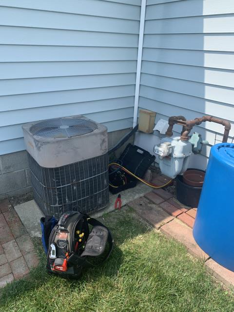 Heath, OH - I completed a diagnostic. I found that the unit was low 3-4 pounds of Freon. I Spoke with husband of wife who was home and he would like a quote, he may have me back out to fill unit.