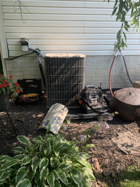Heath, OH - I completed a diagnostic and found condenser fan motor is bad. Customer is having a new unit put in.