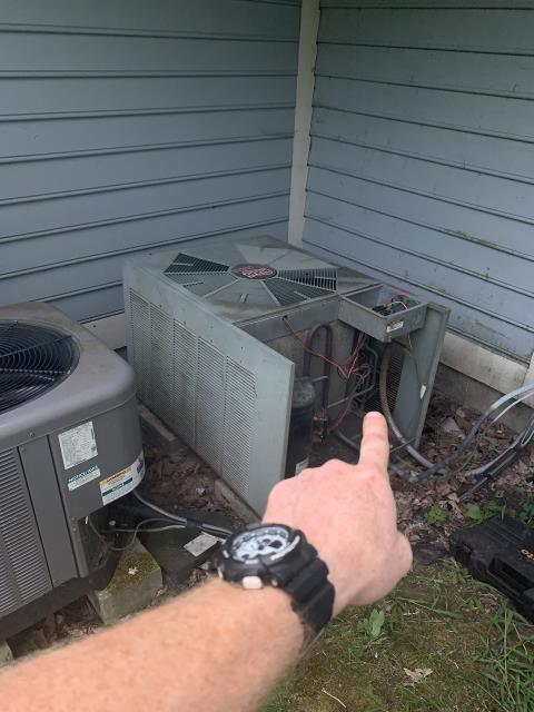 Alexandria, OH - I completed a diagnostic and found the AC not operating. I was able to get the AC to come on and found unit low on 4 pounds of Freon. I found a major leak. Customers chose to go with a new system.