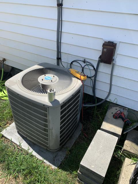 Newark, OH - I completed a diagnostic and found outdoor capacitor is bad. I replaced it with a new capacitor. Refrigerant levels are good. System cooling upon departure.