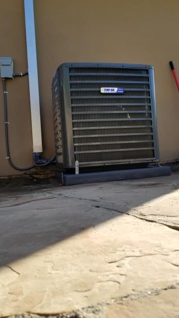 Downey, CA - Replaced and Reloacted the Condenser, coil, and the furnace. Also installed a new Digital Thermostat in the city of Downey, CA.