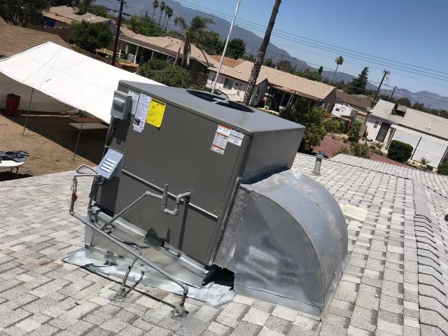 Fontana, CA - Replaced a rooftop package unit system in the city of Fontana, CA.