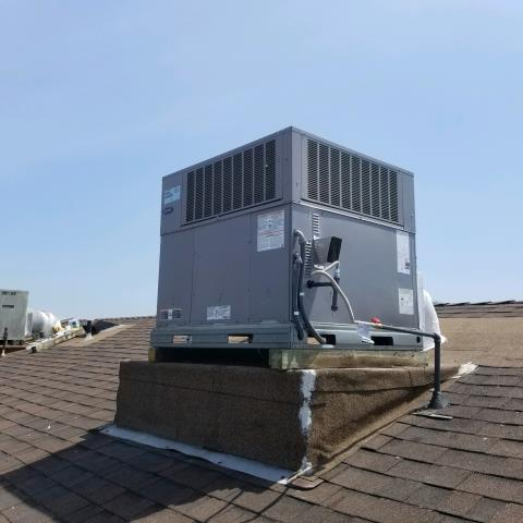 Inglewood, CA - Replaced a rooftop package unit along with new ducts in the city of Inglewood, CA.