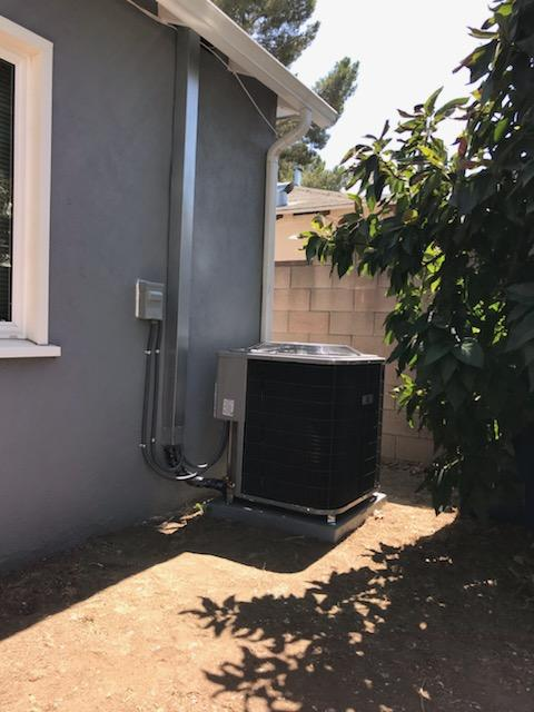 Los Angeles, CA - Full air conditioning and heating system installation together with a panel upgrade for a the Lopez Family living in the city of Sylmar.