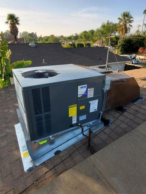 Replaced a rooftop package unit in the city of Pomona, CA.