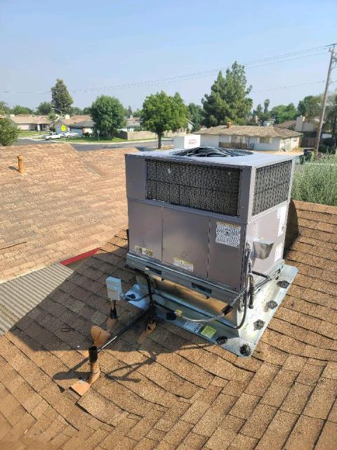 Replaced a rooftop package unit in the city of Bakersfield,CA.