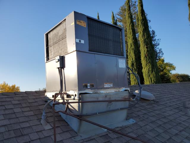 Shafter, CA - Replaced a rooftop package unit along with the duct work in the city of Shafter,CA.
