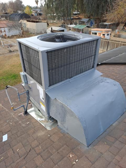 Bakersfield, CA - Replaced a rooftop package unit in the city of Bakersfield, CA.