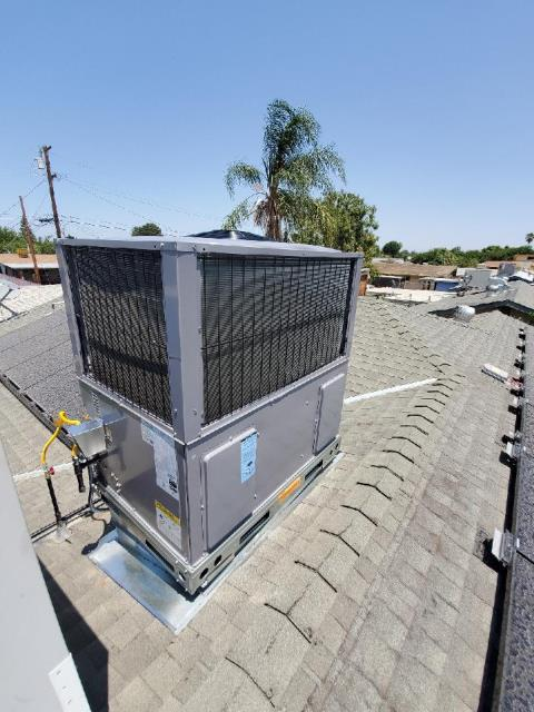 Shafter, CA - Removed and replaced a rooftop package unit in the city of Shafter, CA.