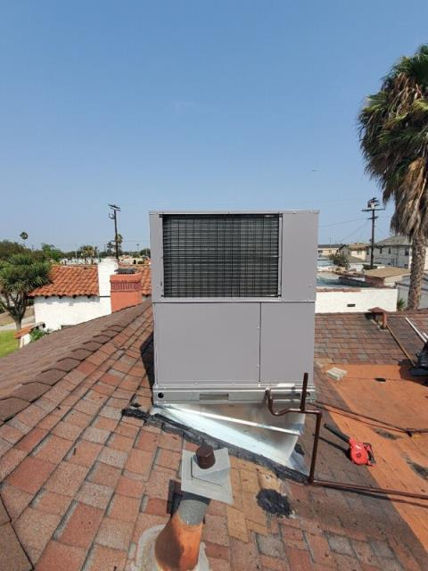 Replaced a rooftop package unit in the city of Los Angeles,CA.