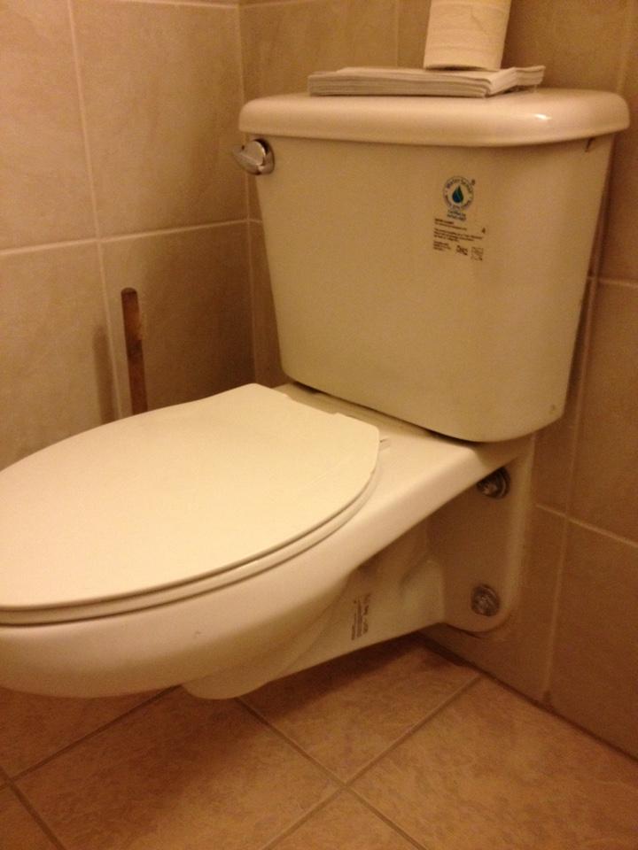 Oakbrook Terrace, IL - Install fill valve for toilet