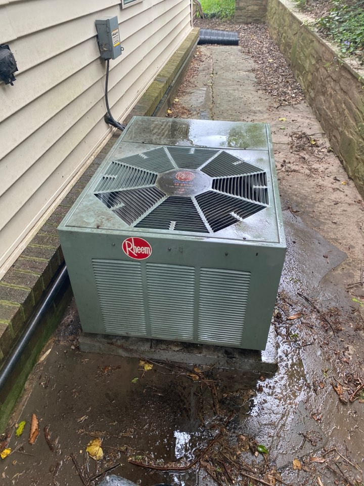 Silver Spring, MD - Performed cooling system inspection and maintenance at Silver Spring MD.