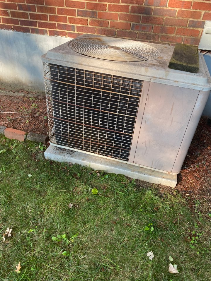 Hyattsville, MD - Performed cooling system inspection and maintenance in Hyattsville MD 20782.