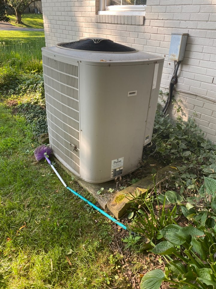 Rockville, MD - Performed cooling system inspection and maintenance in Rockville MA 20853.