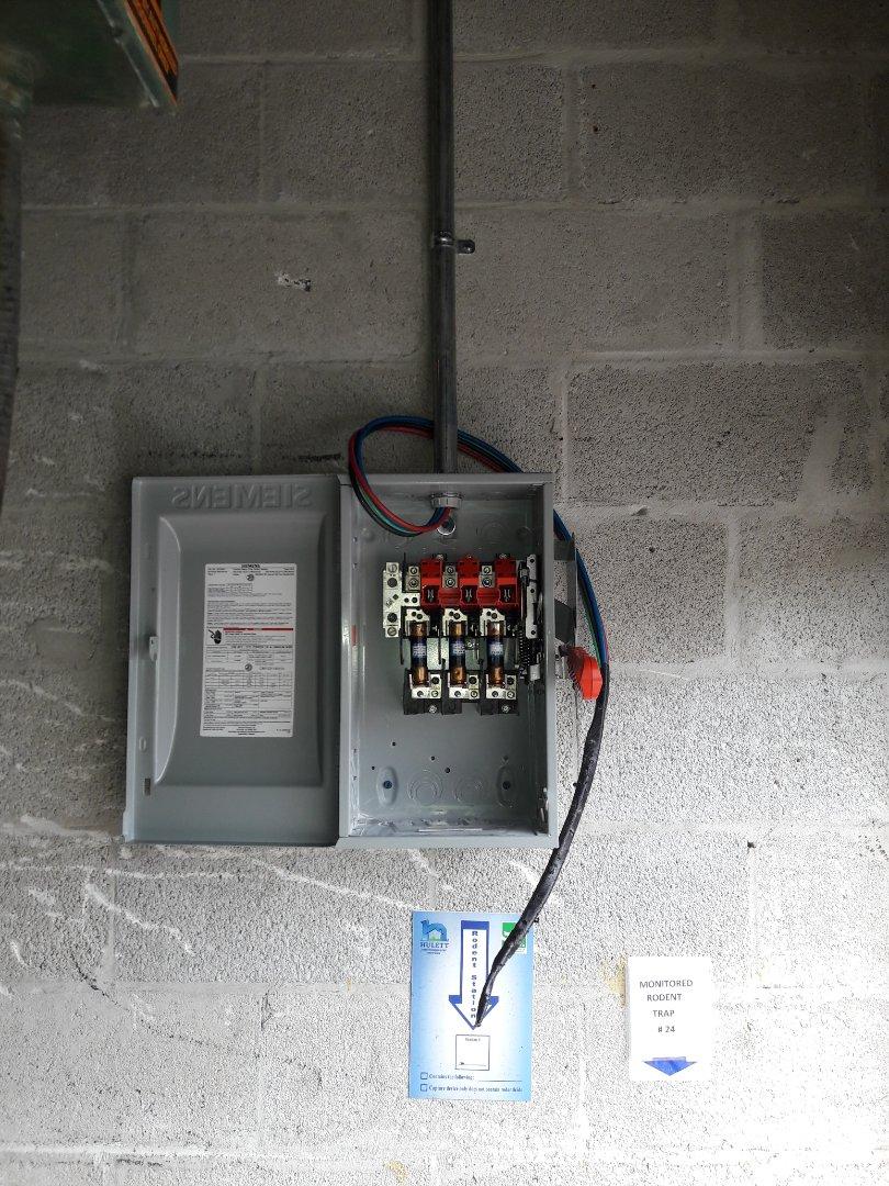 Doral, FL - Installed dedicated circuit for hydraulic bailer. compactor Mac Edward's Produce Doral Fl