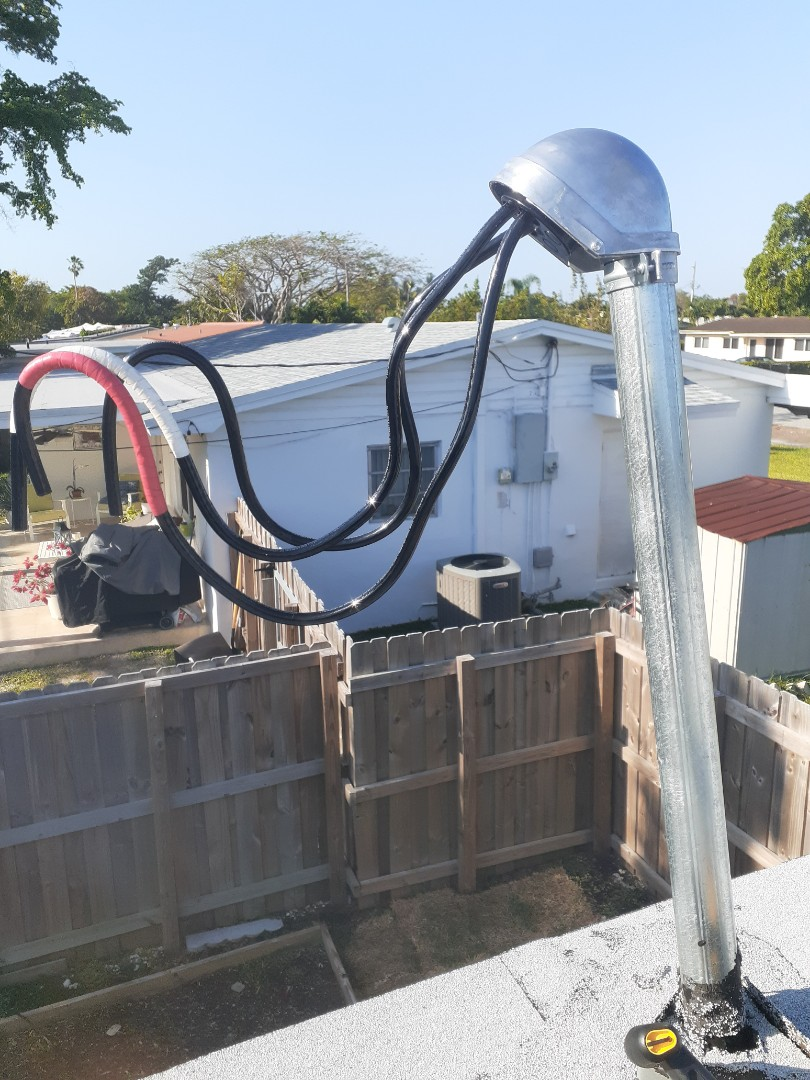 Miami, FL - New weatherhead and wire replacement feeding power to home.