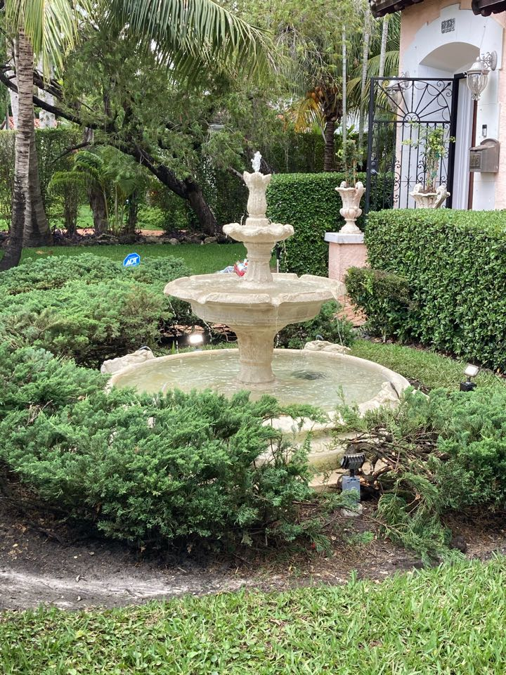 Coral Gables, FL - Installed fountain lighting and pumps