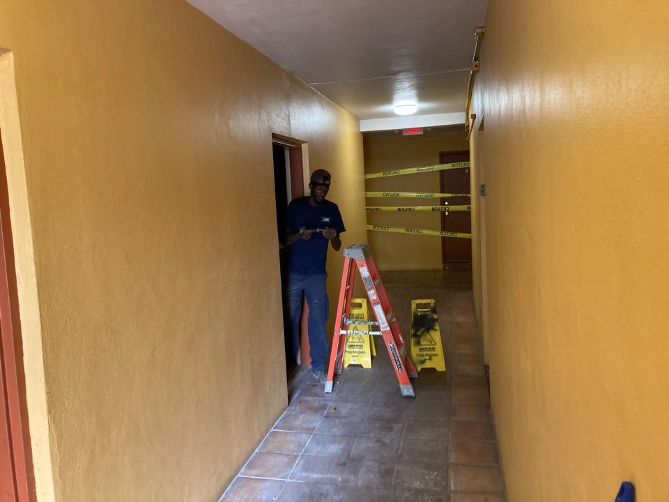 South Miami, FL - Install temp power for apartment units