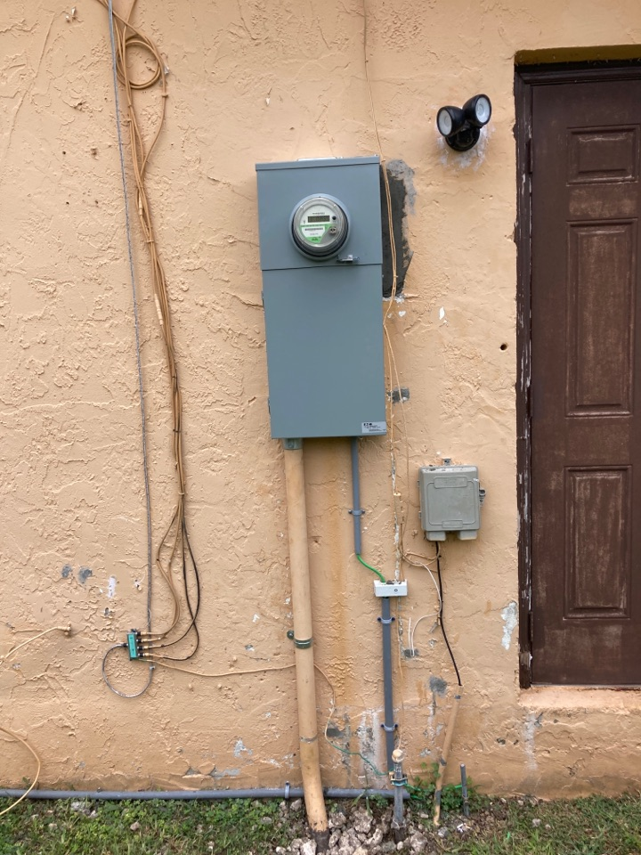 Homestead, FL - Installing new electrical service