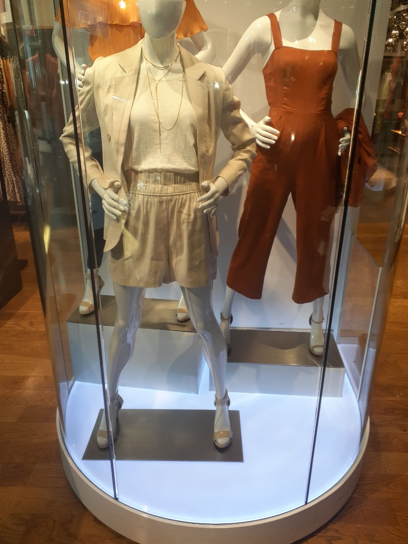 Miami, FL - Repair mannequin LED lighting dipaly. Express Store Dadeland Mall