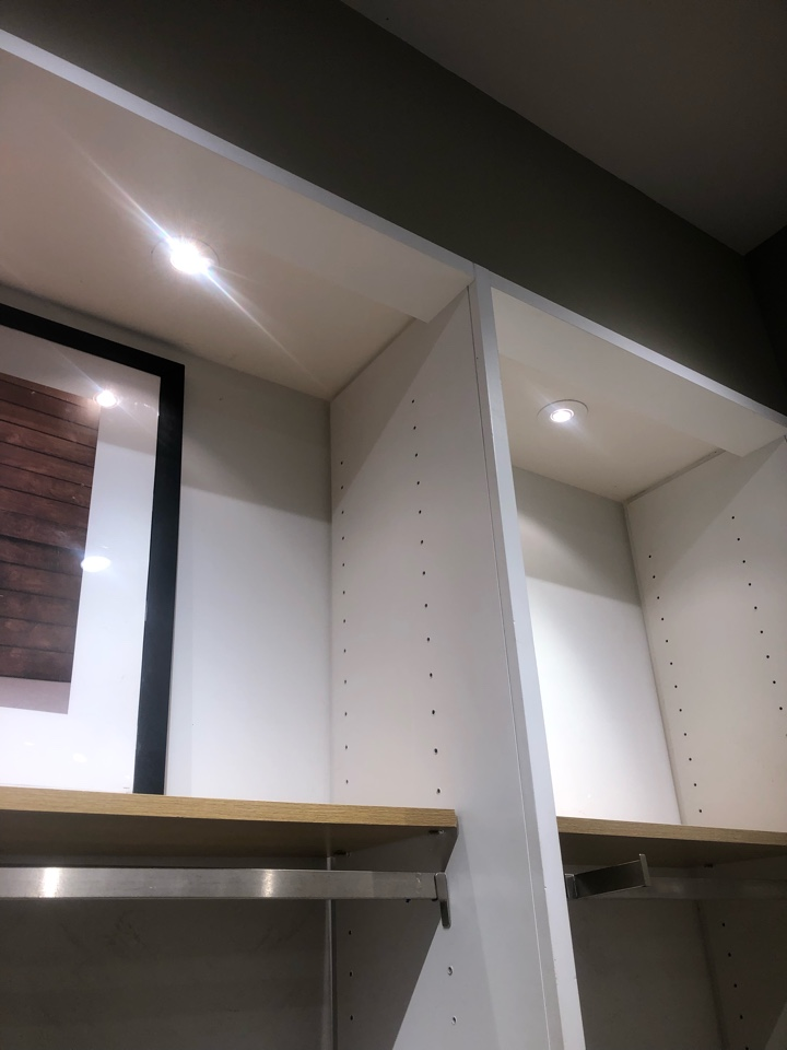 Aventura, FL - Express cabinet lights.
