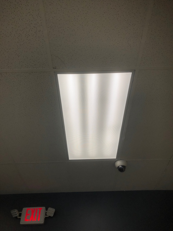 Lauderhill, FL - Replaced led lamps at oportun.