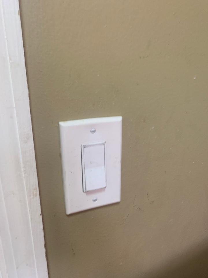 Fixed broken circuit and replaced broken light switch