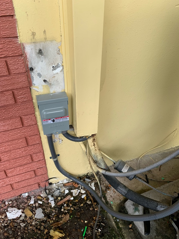 Miami, FL - Installed new ac disconnect