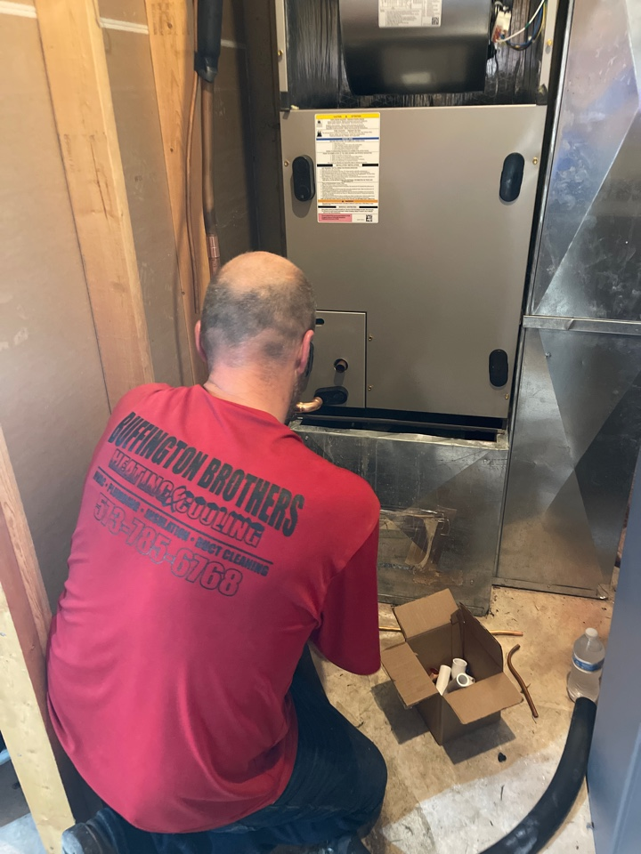 Poplar Bluff, MO - Quick air handler change out on this hot day for a super hot customer!