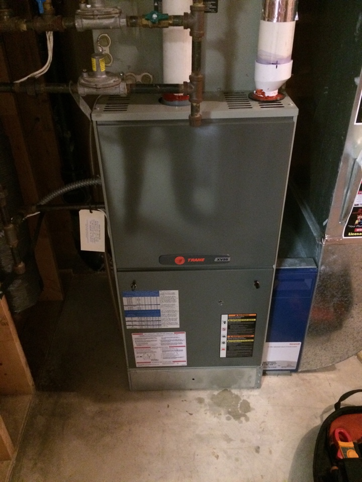 Chaska, MN - Tune up on Trane furnace