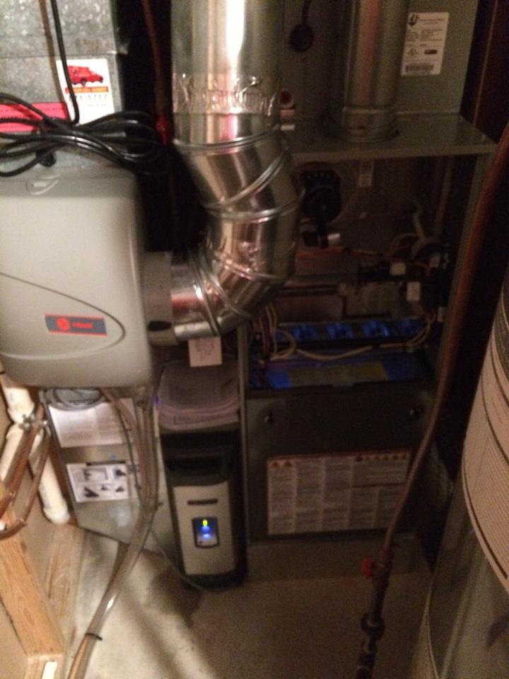 Wayzata, MN - Maintenance on Trane furnace and humidifier