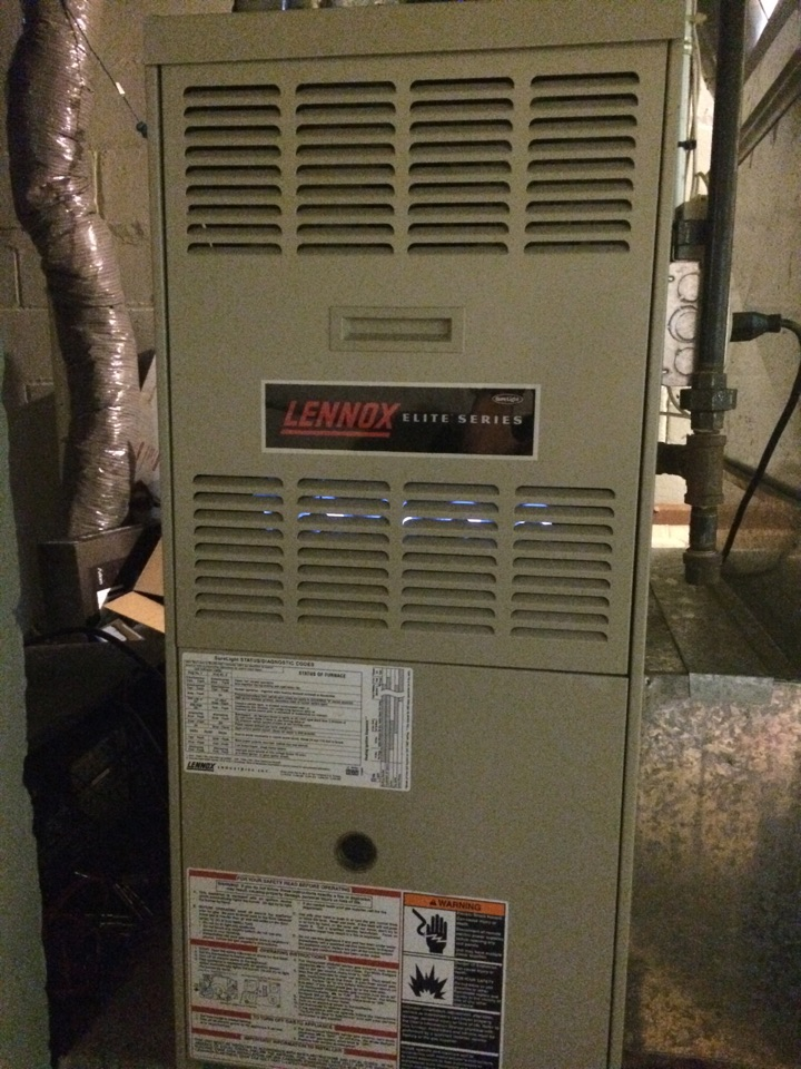 Saint Paul, MN - Maintenance on a Lennox elite series