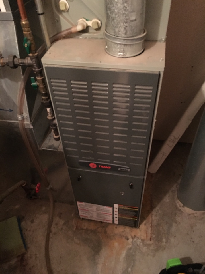 Cottage Grove, MN - Maintenance on a xr80 trane furnace