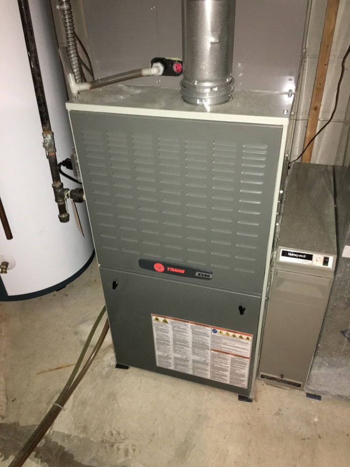 Wayzata, MN - Maintenance on a trane xv80 furnace