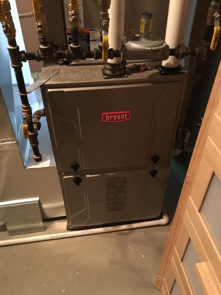Eden Prairie, MN - Maintenance on a Bryant furnace