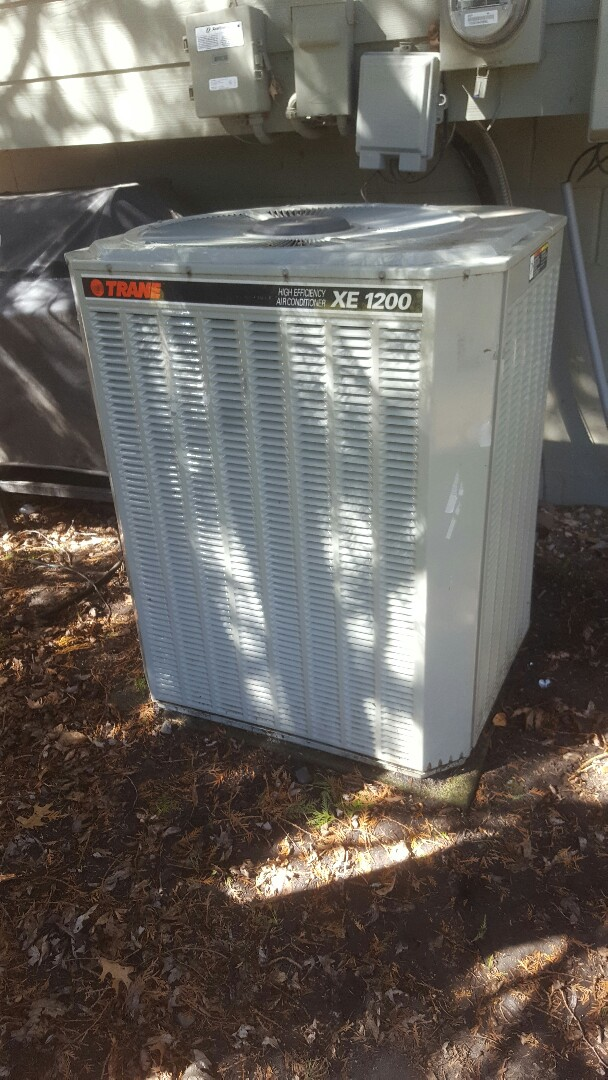 Minneapolis, MN - Air conditioning service tune up