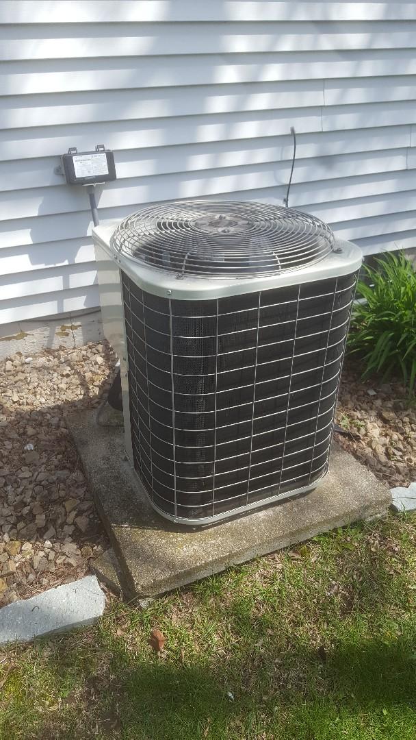 Eden Prairie, MN - AC tune up repair service