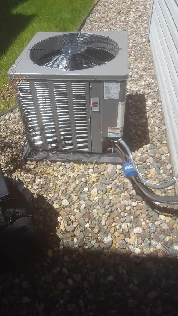White Bear Lake, MN - AC tune up repair service