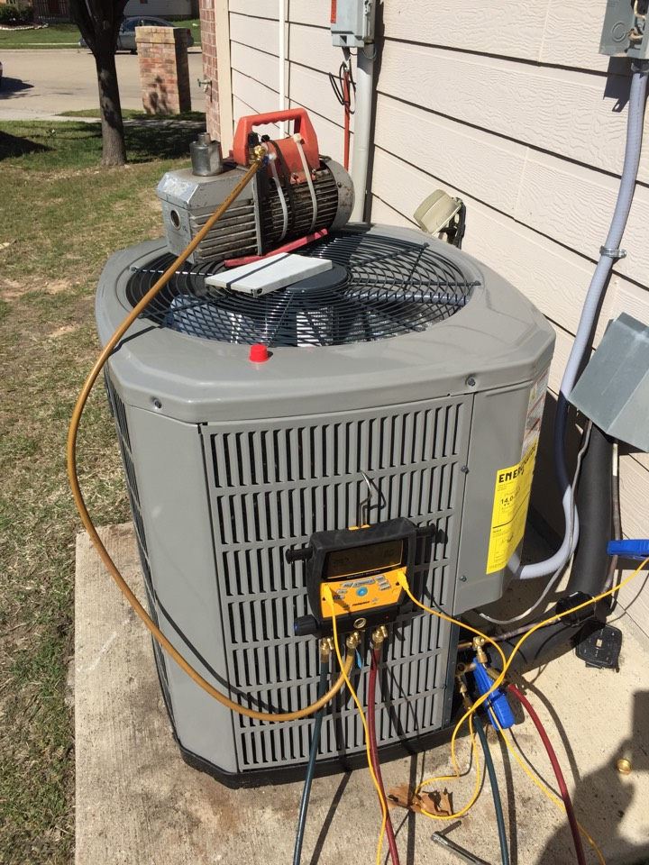 Haslet, TX - American Standard Silver 14.  New install Air Squad