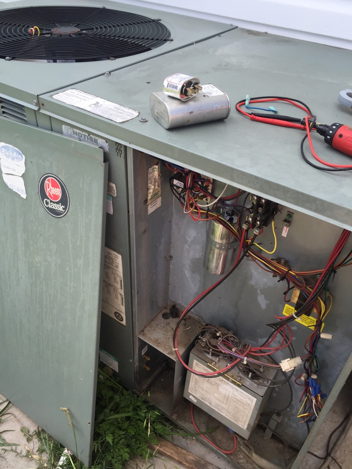 Haslet, TX - Bad compressor capacitor. Rheem package unit. Air Squad