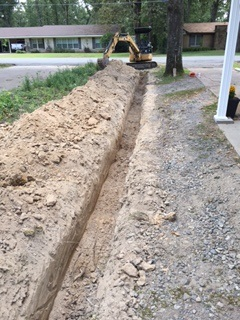 West Monroe, LA - Our Team is replacing an old deteriorated sewer line with a new PVC sewer line.
