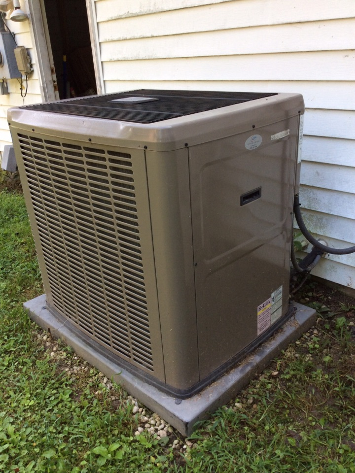 Weaverville, NC - Fixing a blocked drain on carrier air-conditioning system