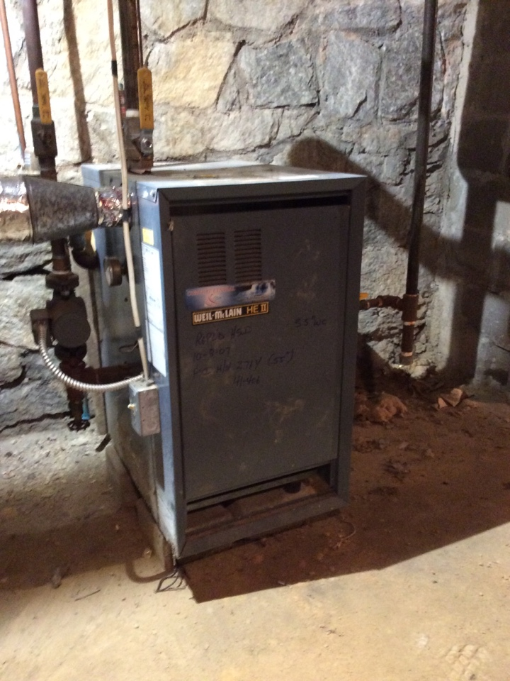 Hendersonville, NC - Tuneup on a hot water boiler