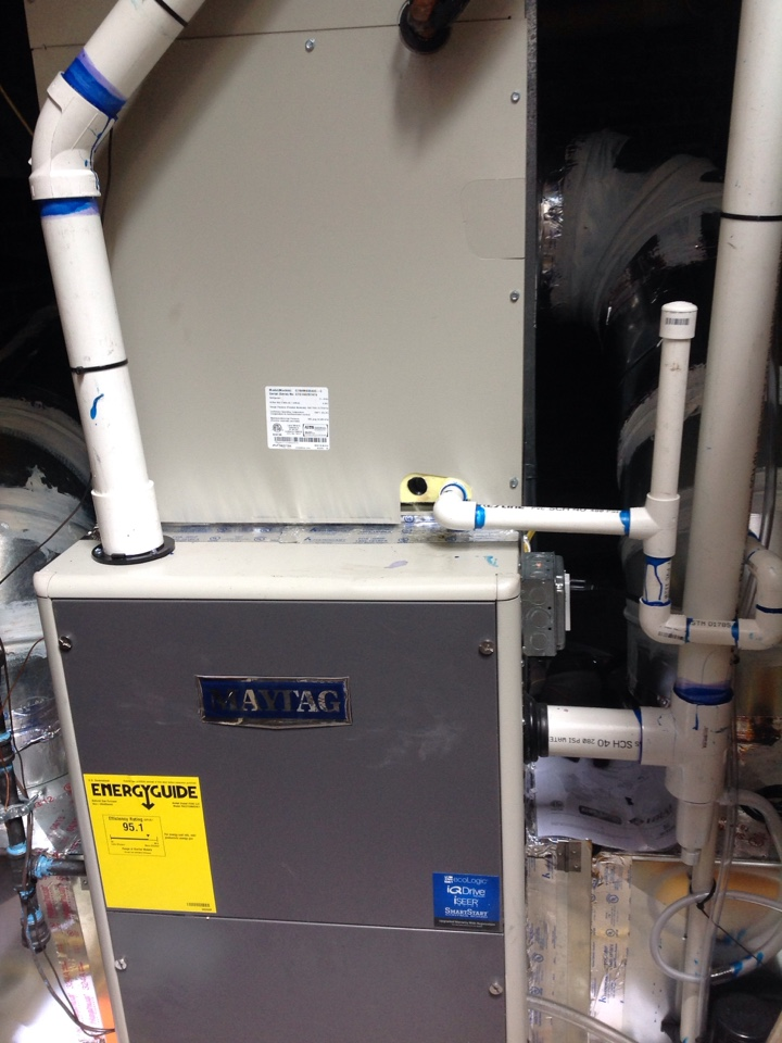 Laurel Park, NC - Maytag 80000 btu gas furnace and 4 ton air conditioning coil