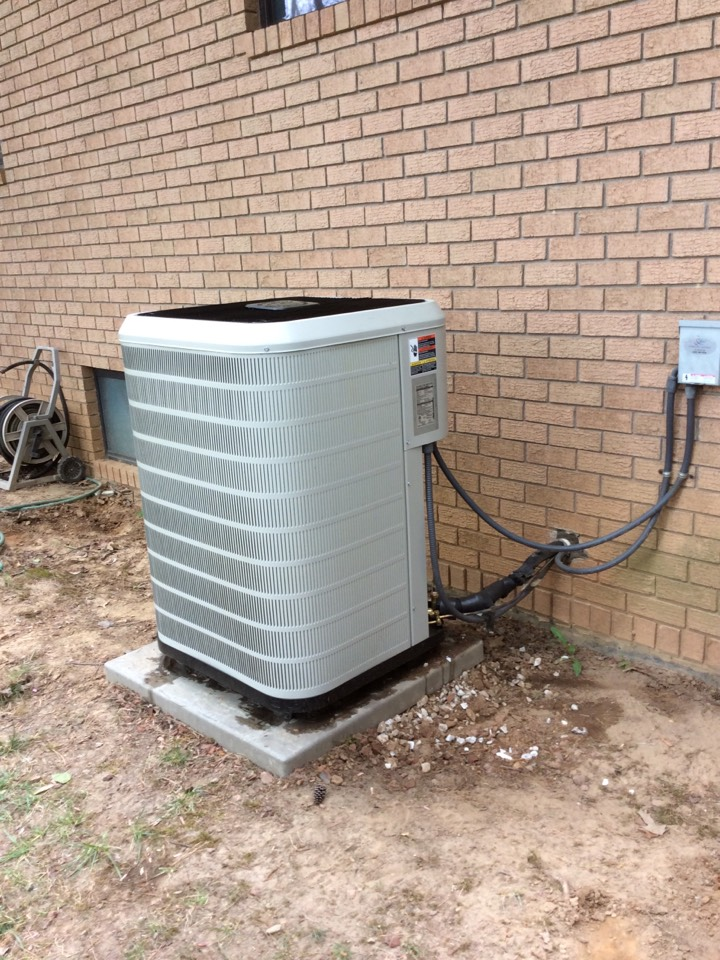 Hendersonville, NC - Leveling a heat pumps changing txt